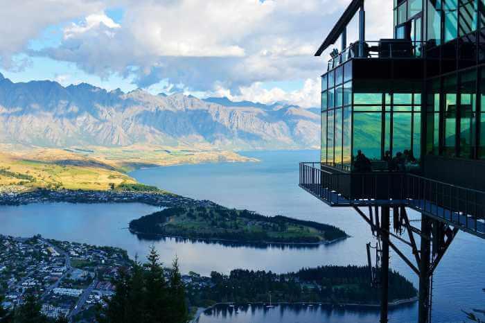 Vivid Experiences of New Zealand