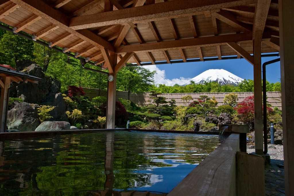 Nishiyama Onsen, Japan